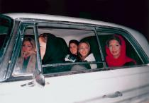 Shirin Aliabadi, Girls in Car 2, 2005. Deutsche Bank Collection. Courtesy of the artist ant The Third Line, Dubai