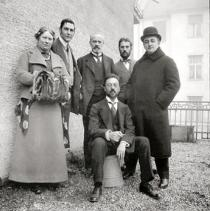 Members of �Der Blaue Reiter� on the Ainmillerstra�e 36 balcony (from left to right: Maria and Franz Marc, Bernhard Koehler, Vasily Kandinsky (seated), Heinrich Campendonk, and Thomas von Hartmann), Munich, ca. 1911�12